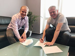 Pavel signs his Universal Music Group contract, alongside the Managing Director of Universal, Czech Republic, Tomas Filip