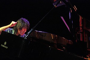Taka Kigawa performed an ambitious program of 21st-century works at his annual Le Poisson Rouge recital on Monday.