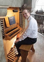 At the console of the Venetian Organ (Franz Zanin, 1995) in Salzburg Cathedral.